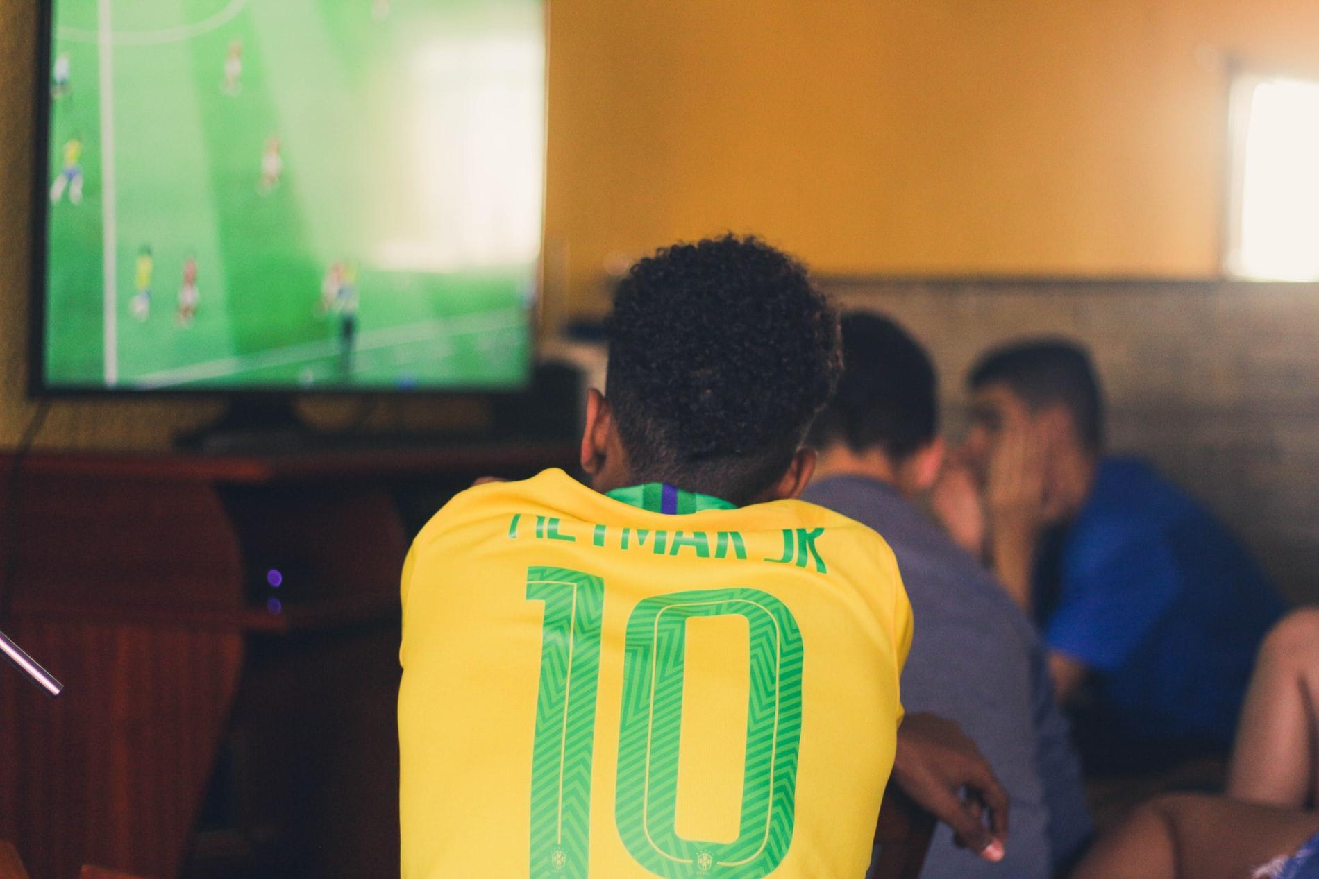 Fodbold på tv, online og via streaming