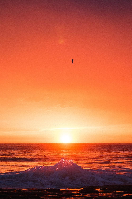 seawaves during sunset