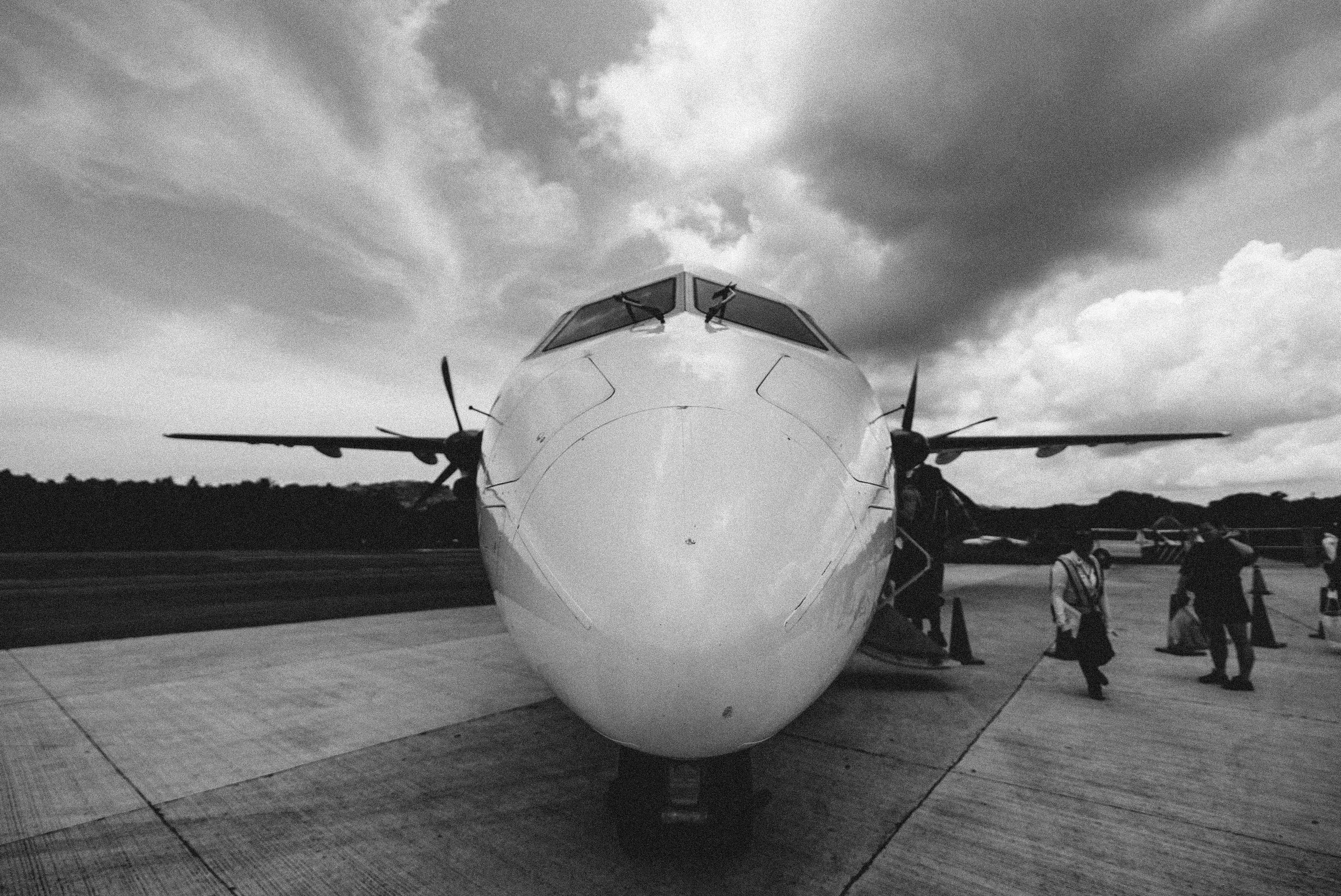 grayscale photo of plane
