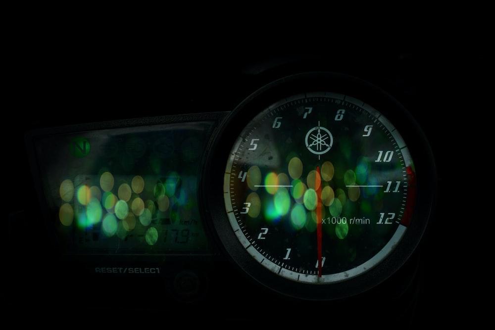 black Yamaha motorcycle gauge