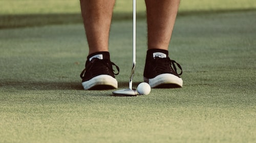 Best Golf Shoes for the Wet Seasons
