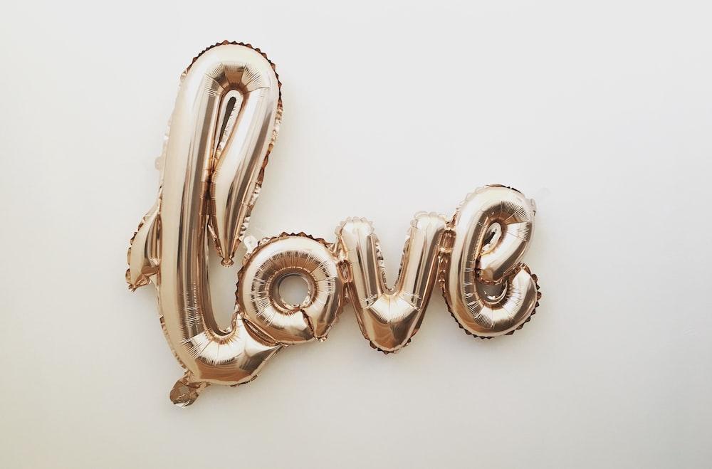 gold love balloon