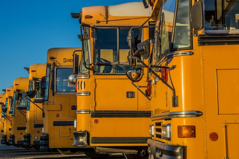yellow trailer unit align