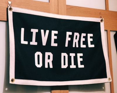 live free or die wall decor
