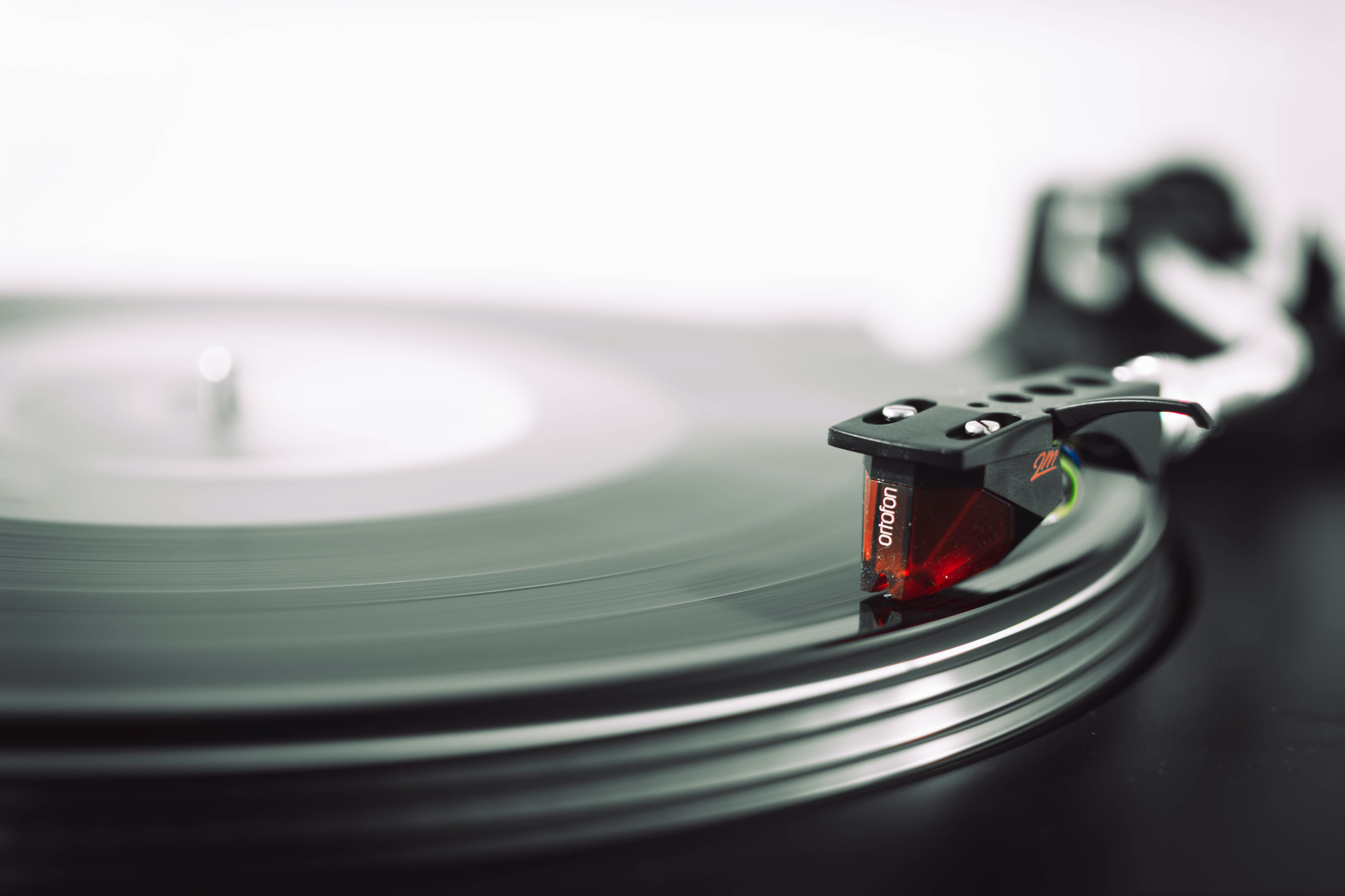 selective focus vinyl record playing