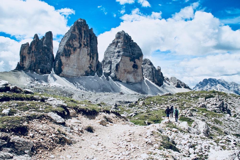 gray mountain at daytime