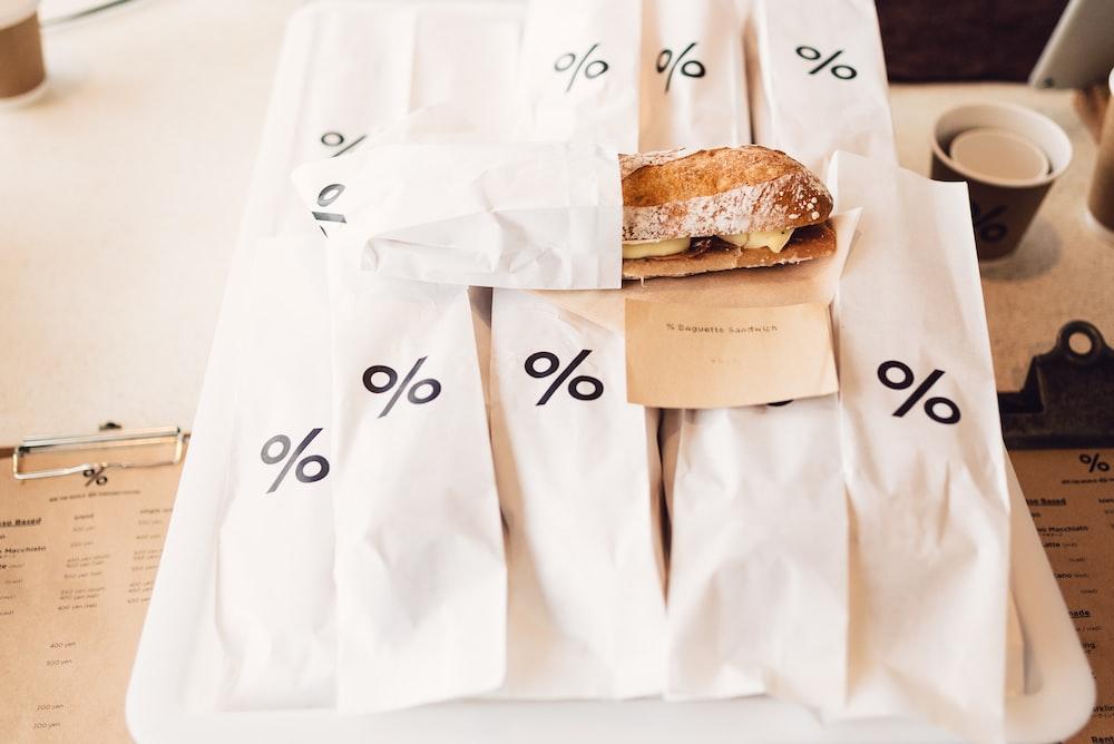 bunch of sandwich packs