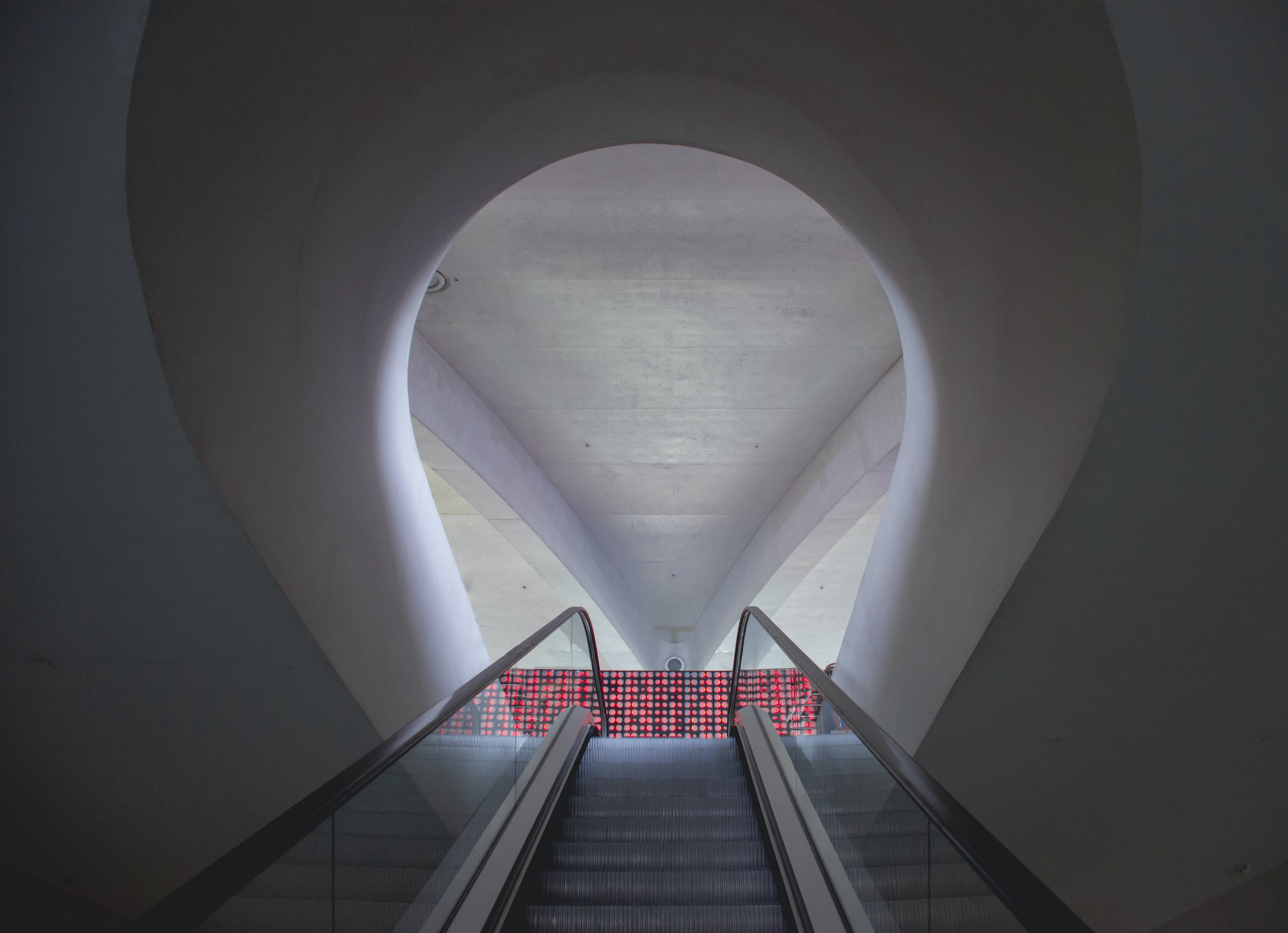 escalator near wall