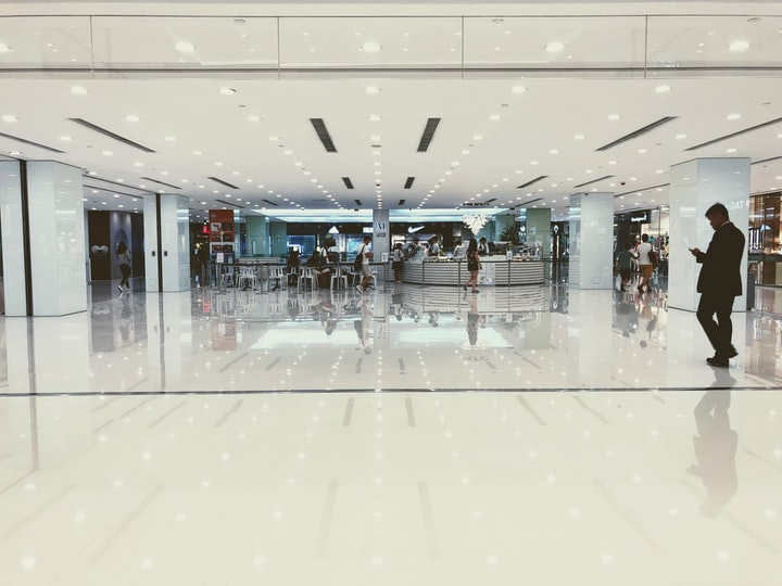 How to Be an Introvert at the Mall