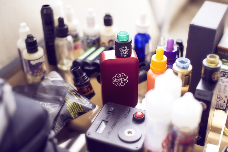 How To Set Up A Vape Bar And Throw Awesome Indoor Parties 2