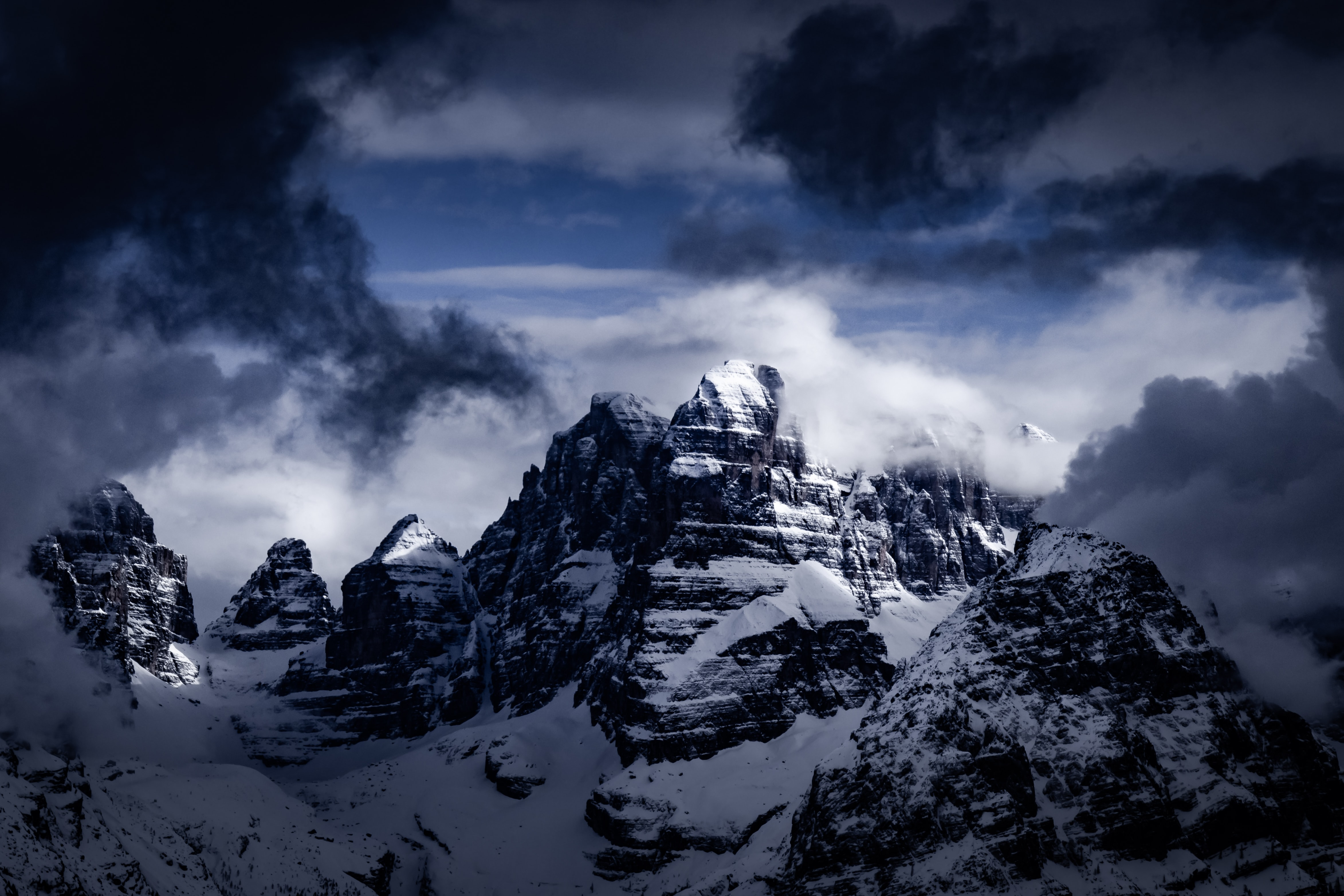 landscape photo of mountain with snow