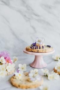 flowers on pie