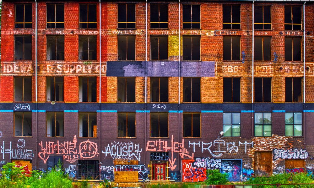 building filled with graffiti