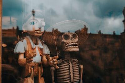 Marionettes 2