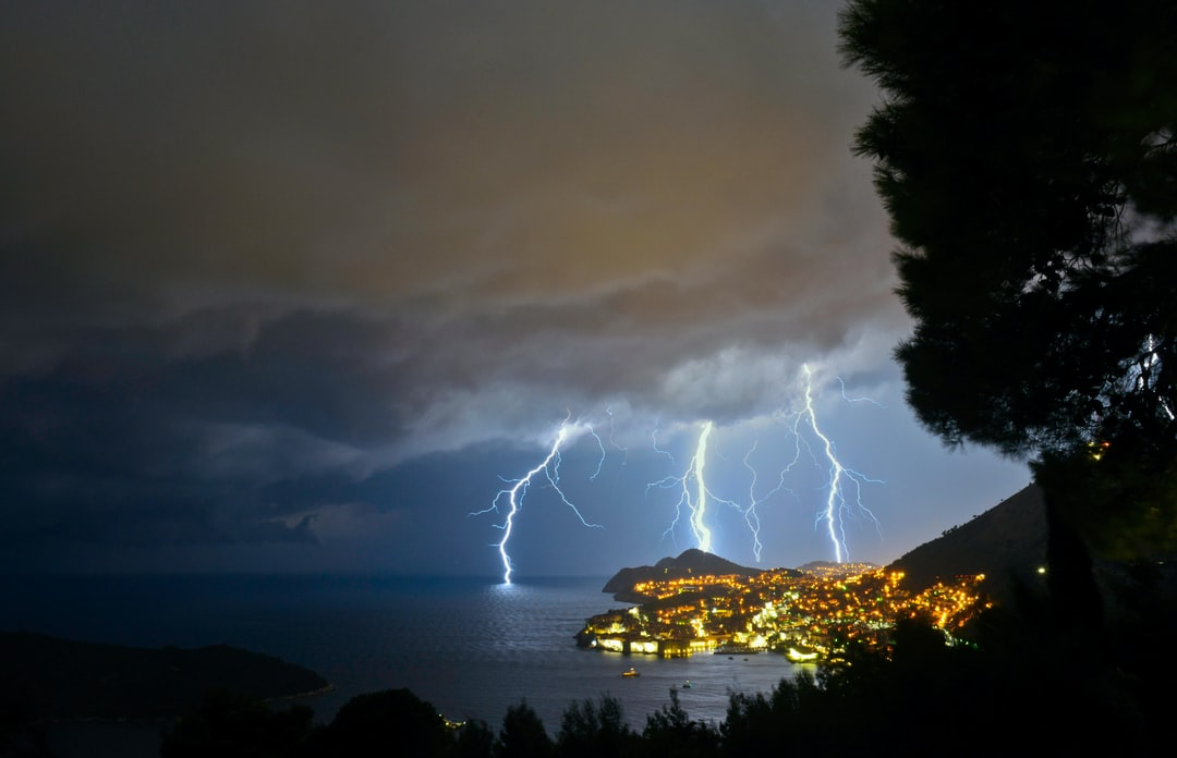 Returning to my hotel in Dubrovnik after a trip to the beach, I was surprised by a summer storm. As soon as I saw the first lightning illuminate the sea and the bay I stuck the car, put down my tripod, and, Wow! Immediately, a seemingly endless series of flashes began to drain into the water in front of the magnificent city…