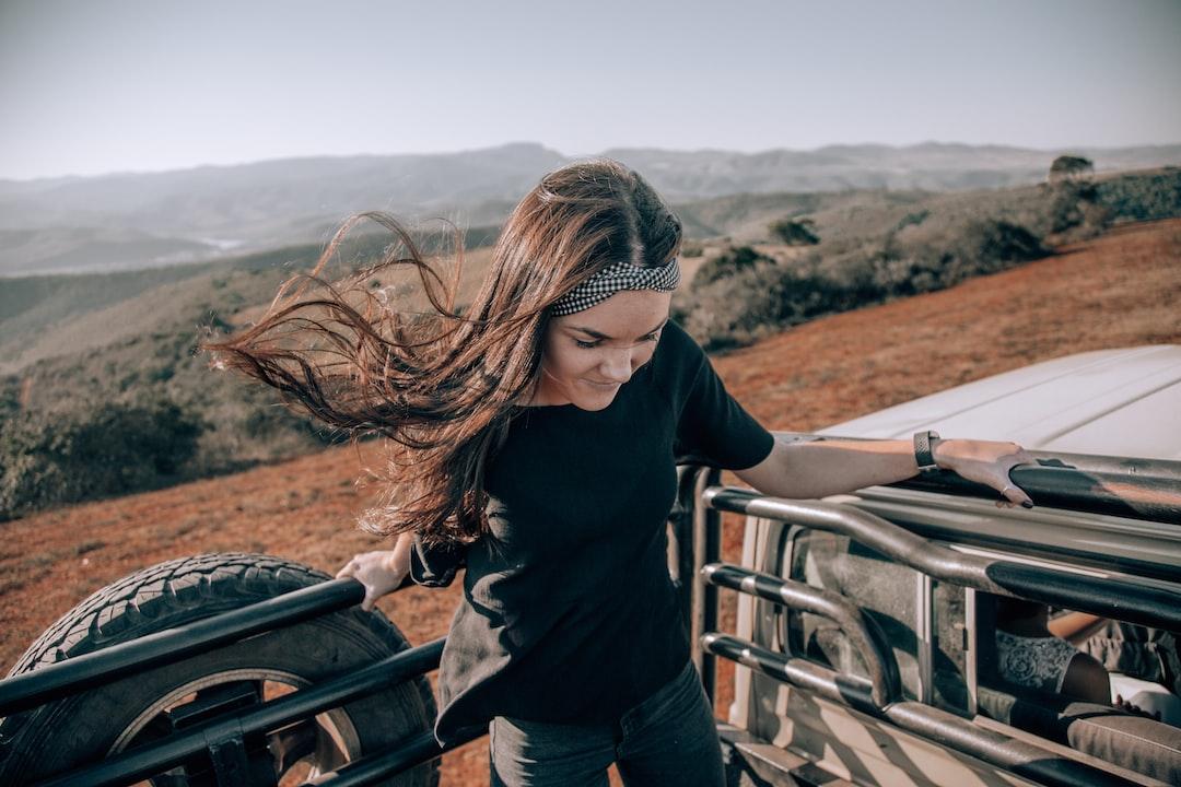 GIRL IN WILD