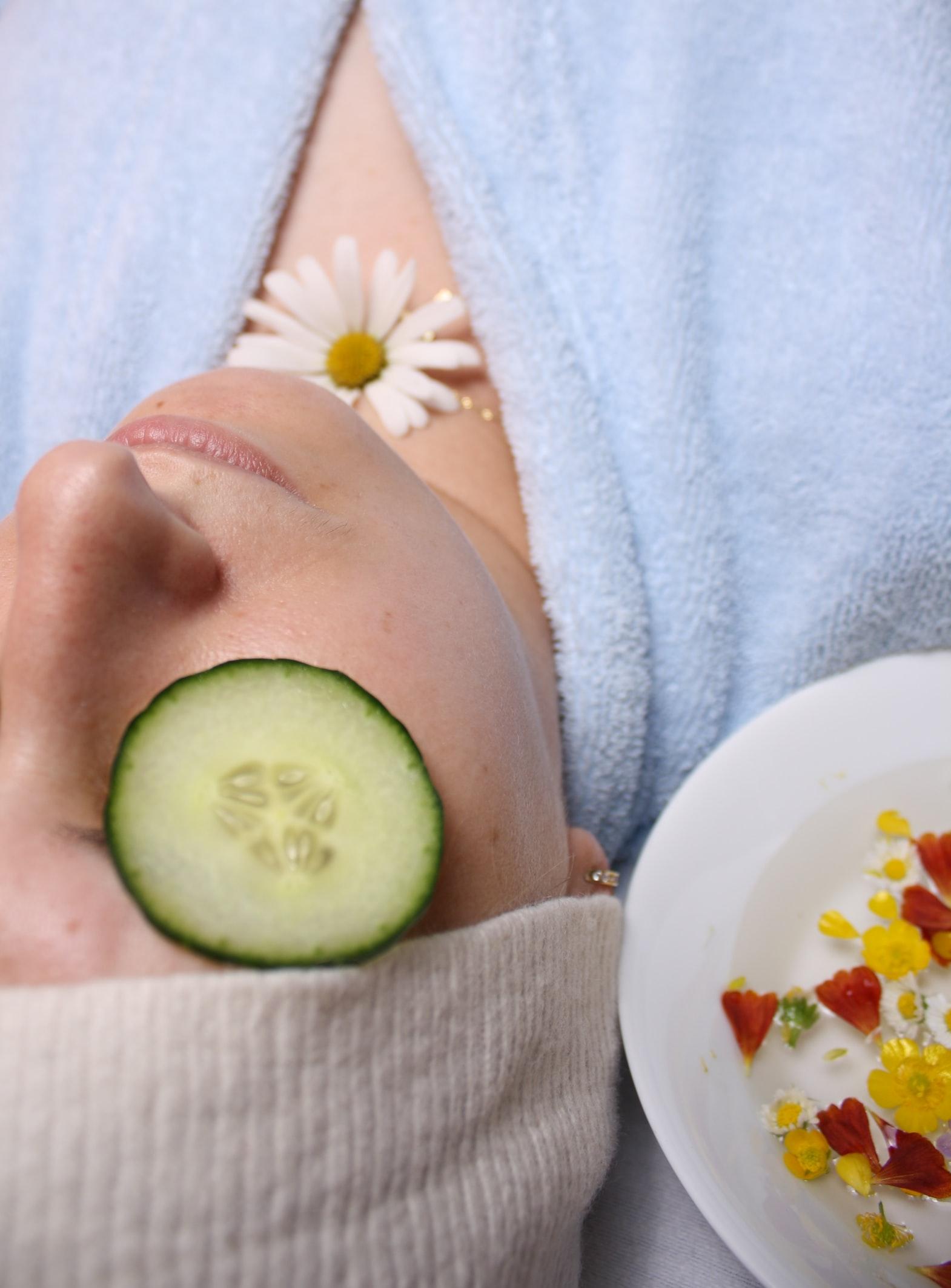 A lady taking spa treatment