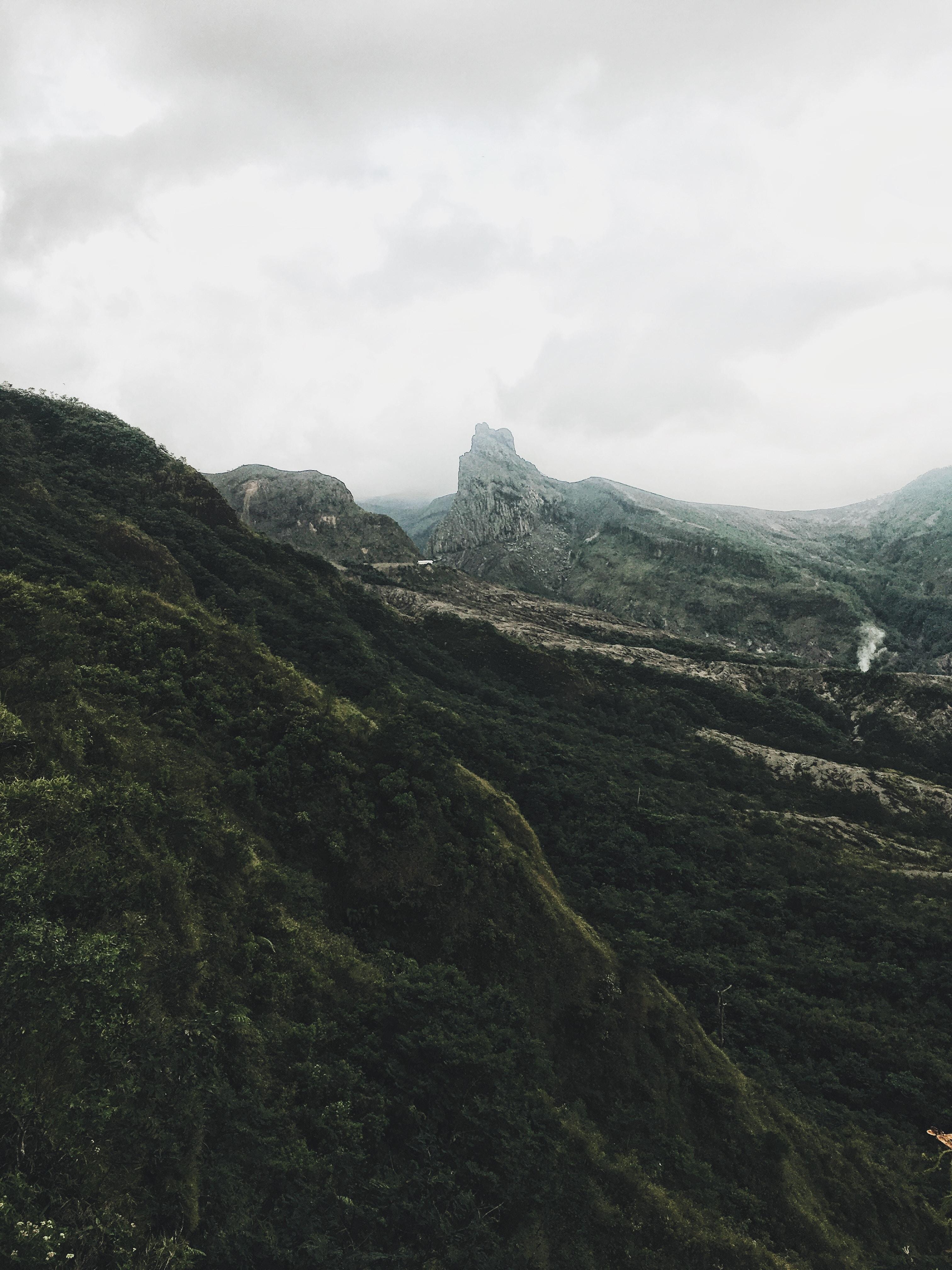 brown and green mountain range