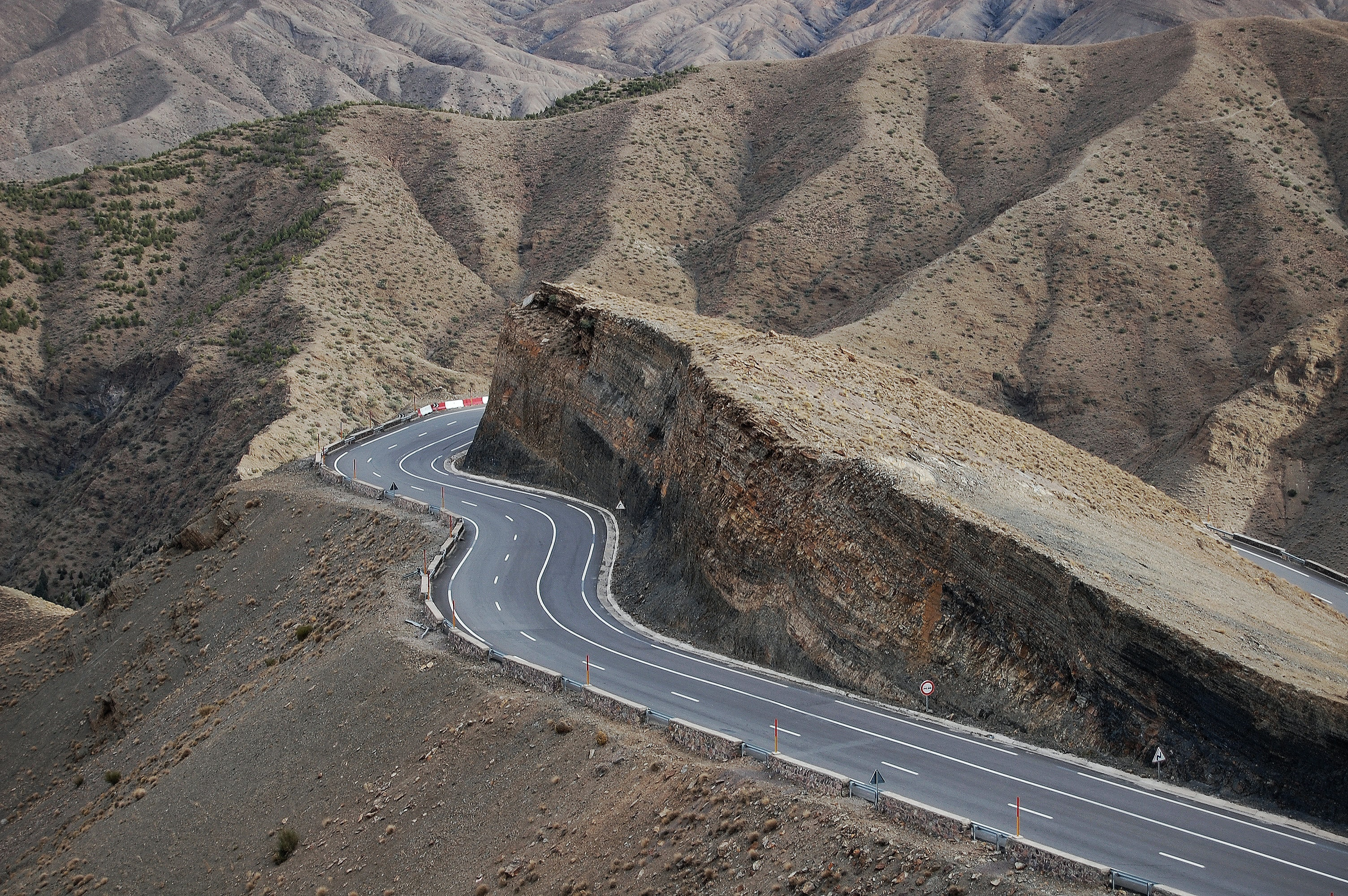 aerial photography of road at daytime