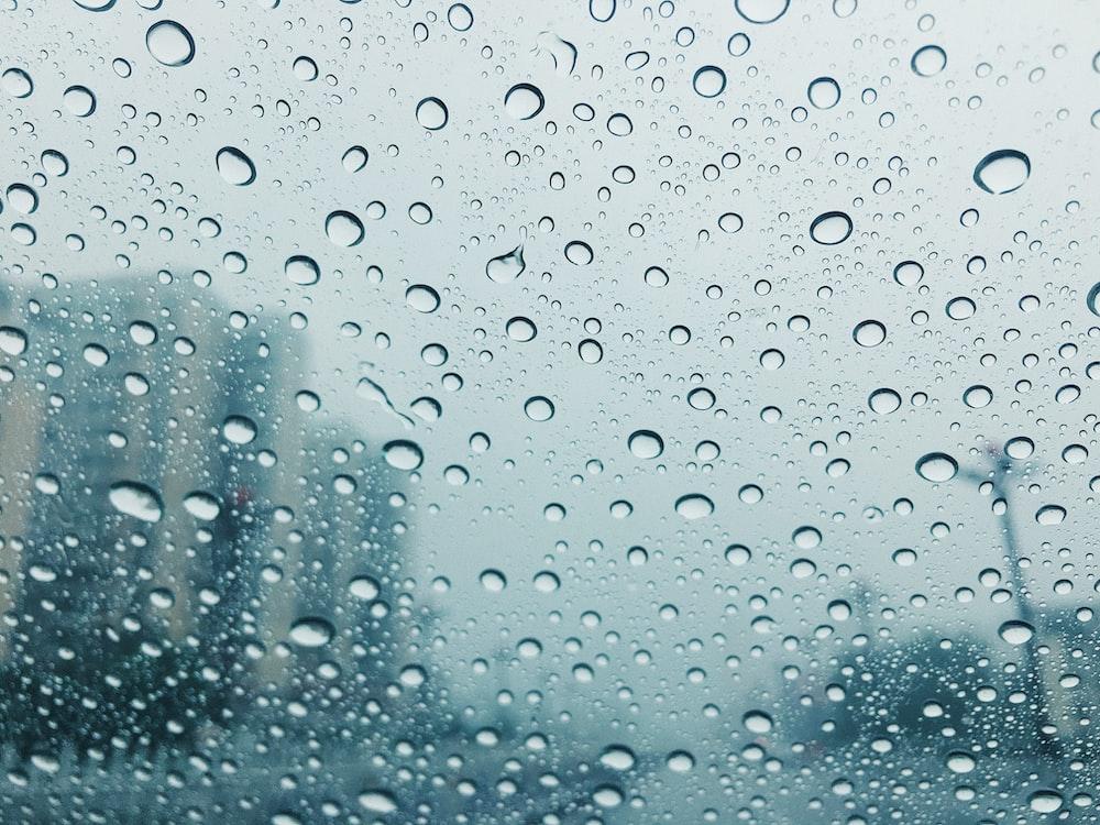 droplets on windshield