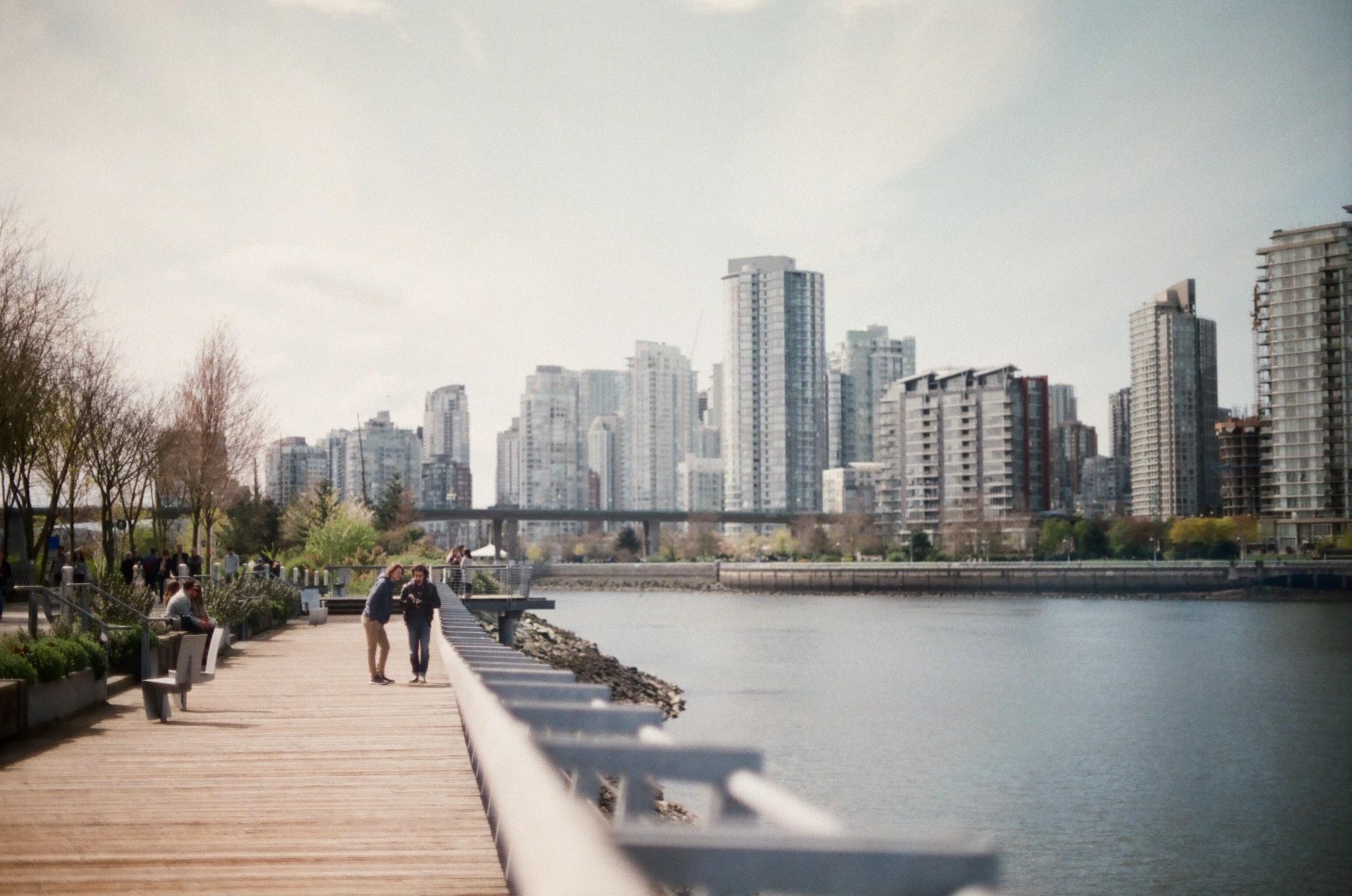 在温哥华买房租房,各有各的难