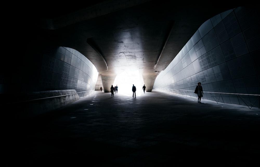 people om tunnel