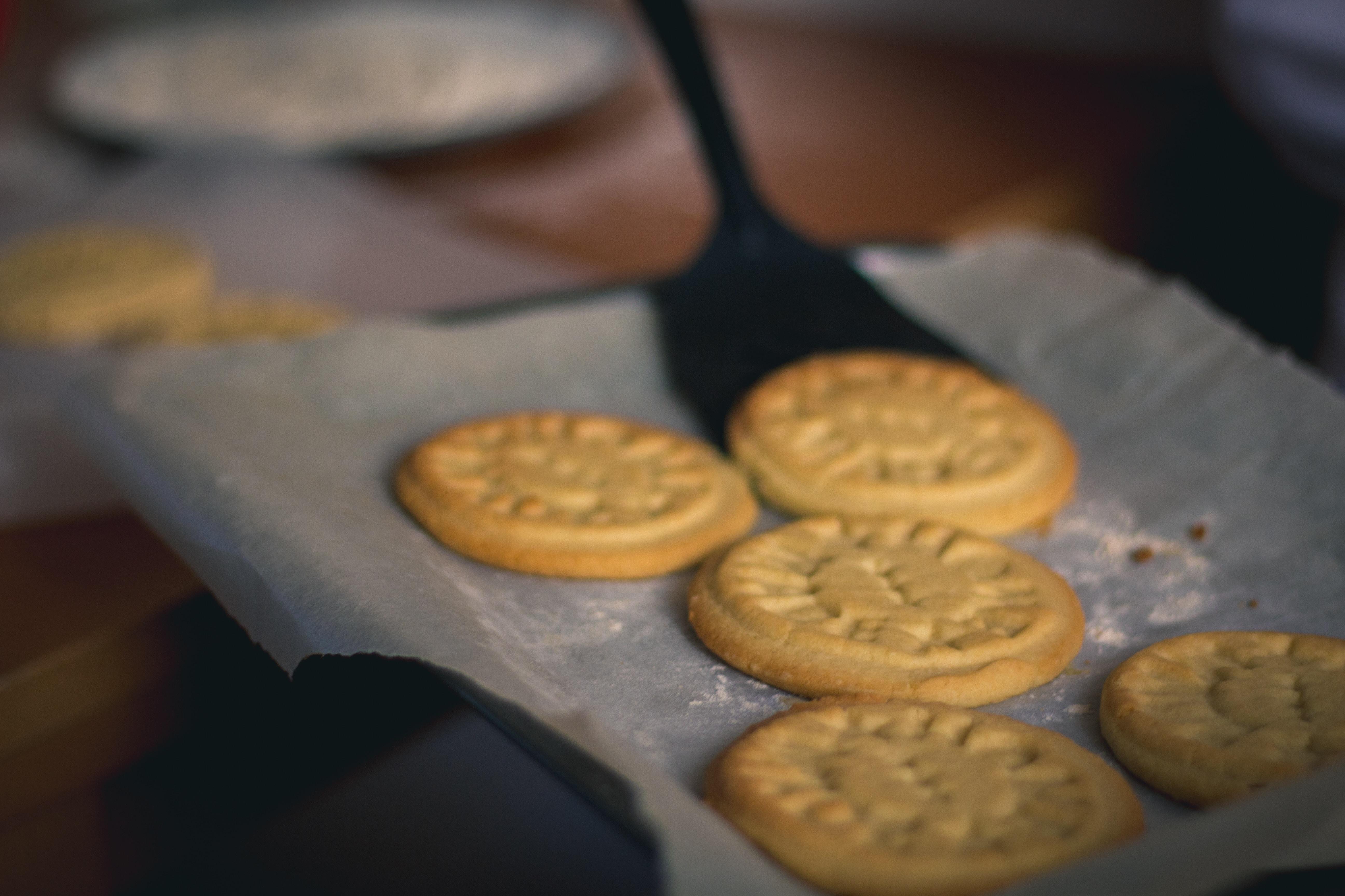 five brown cookies