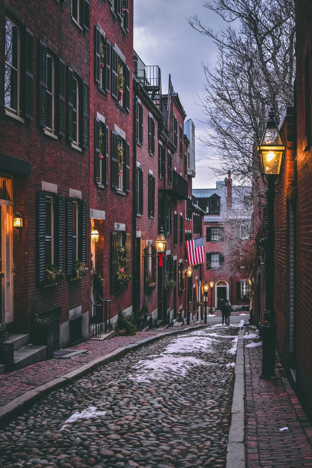 They say that Acorn Street is the most photographed street in Boston so it's rare to have it be so quiet.