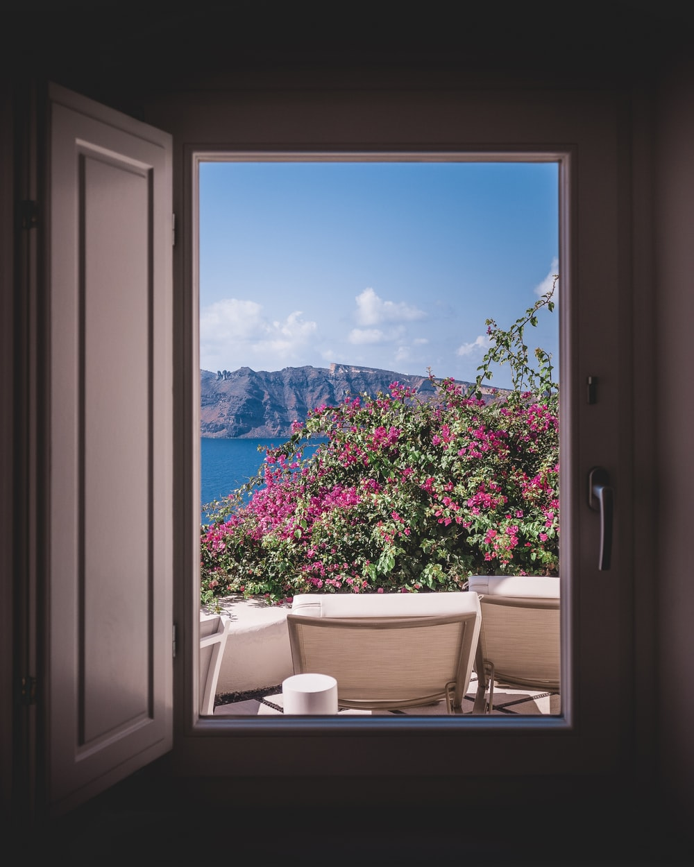 Best 500+ Window Images | Download Free Pictures On Unsplash