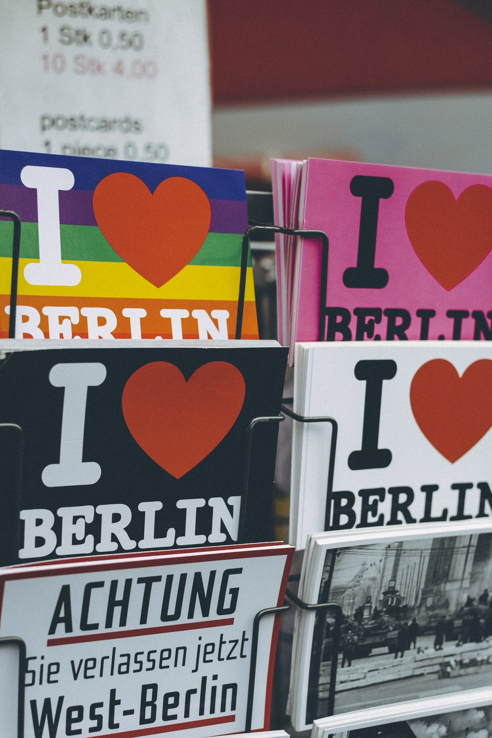 piling i Love Berlin books