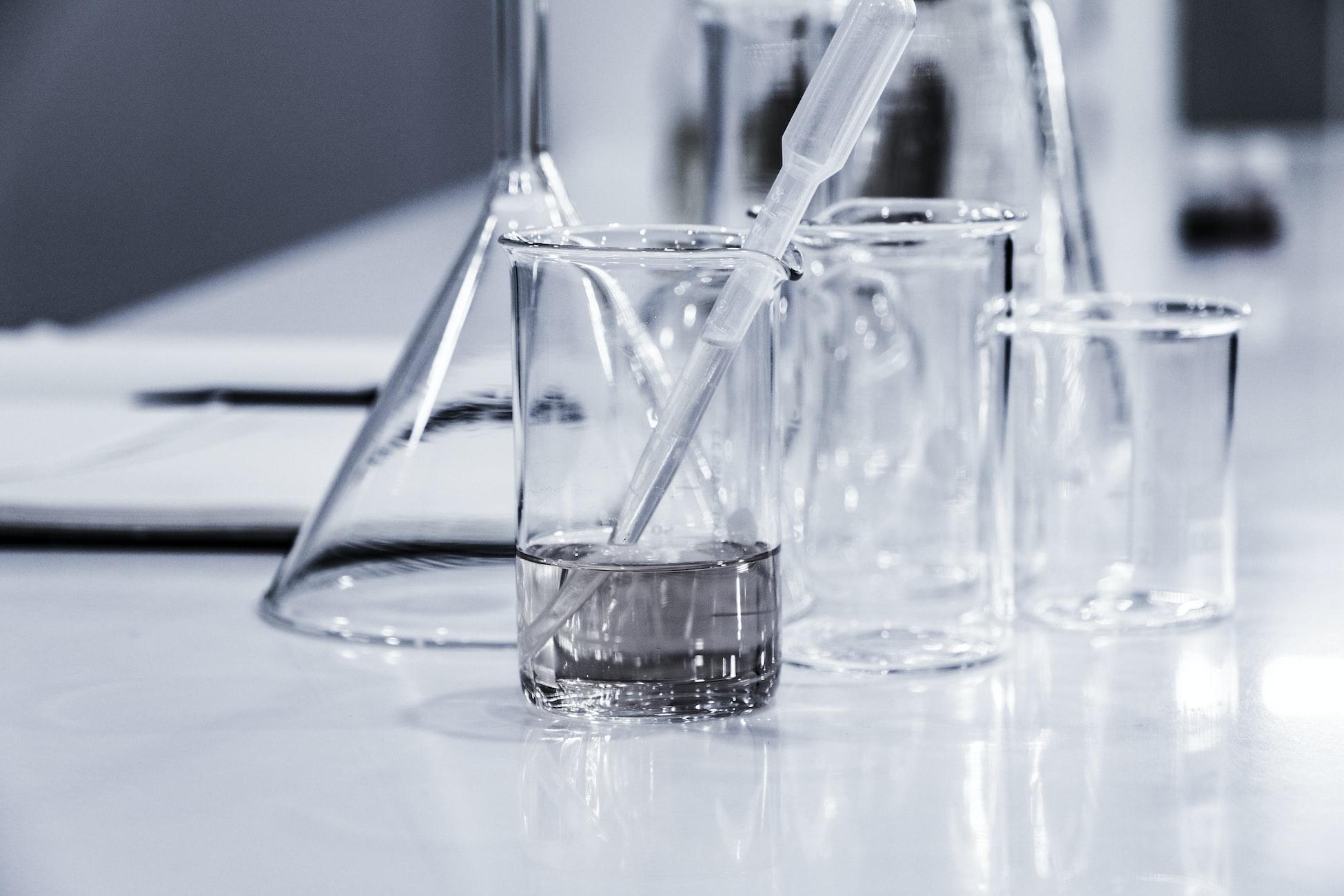 Labormaterialien aus Glas