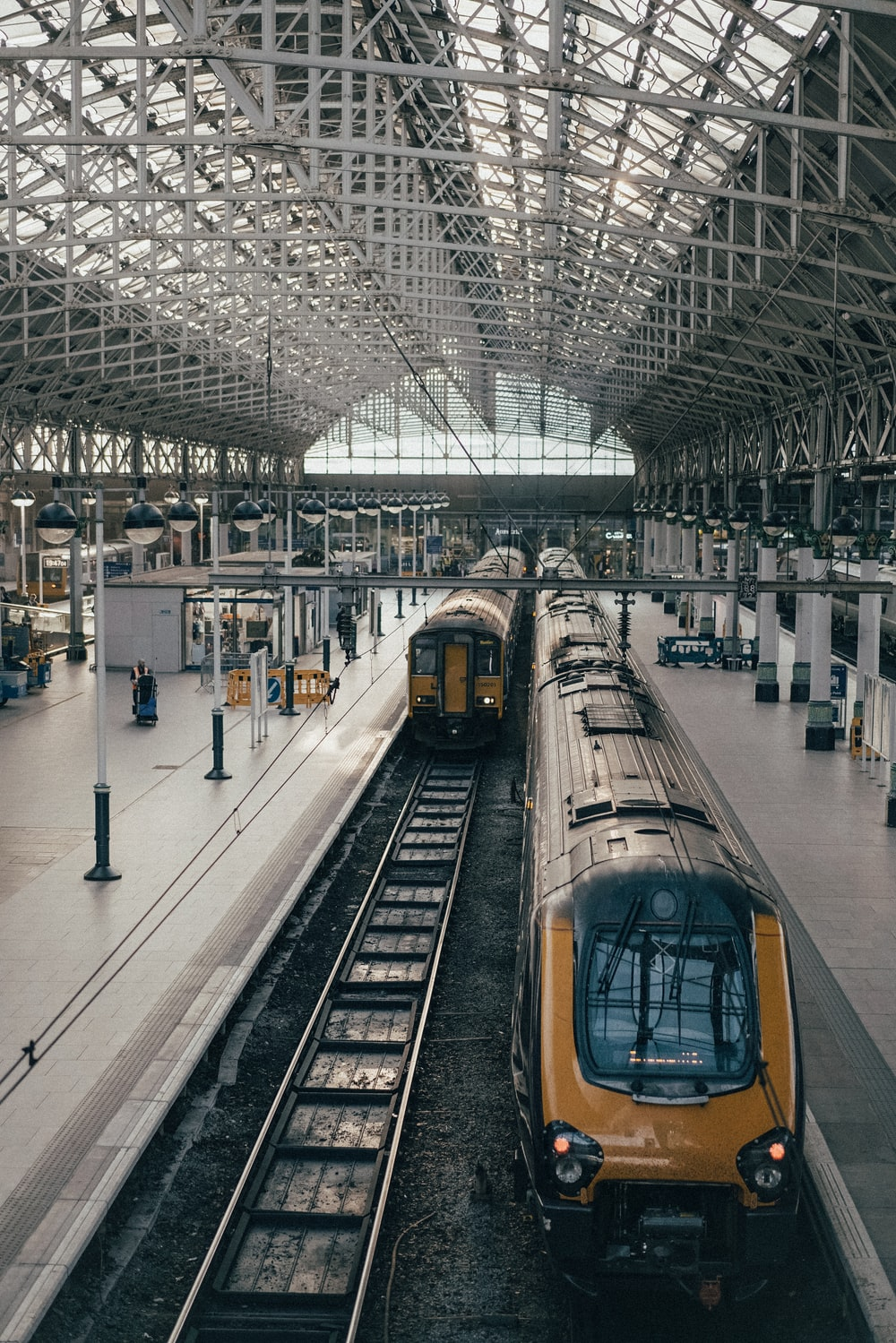 100 train pictures download free images on unsplash