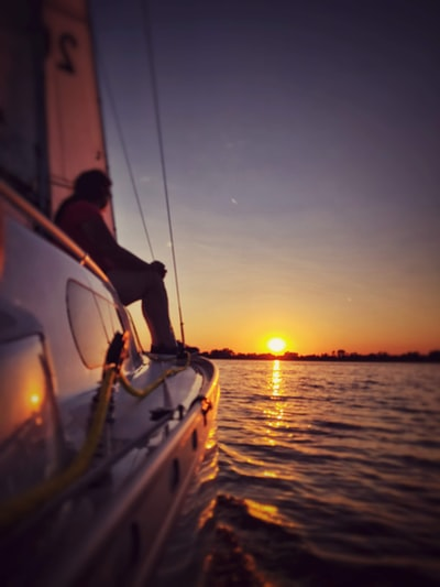 I took this picture on our last boat trip this week. We really enjoyed the warmth of the sun and the strong wind for this sailing trip. 