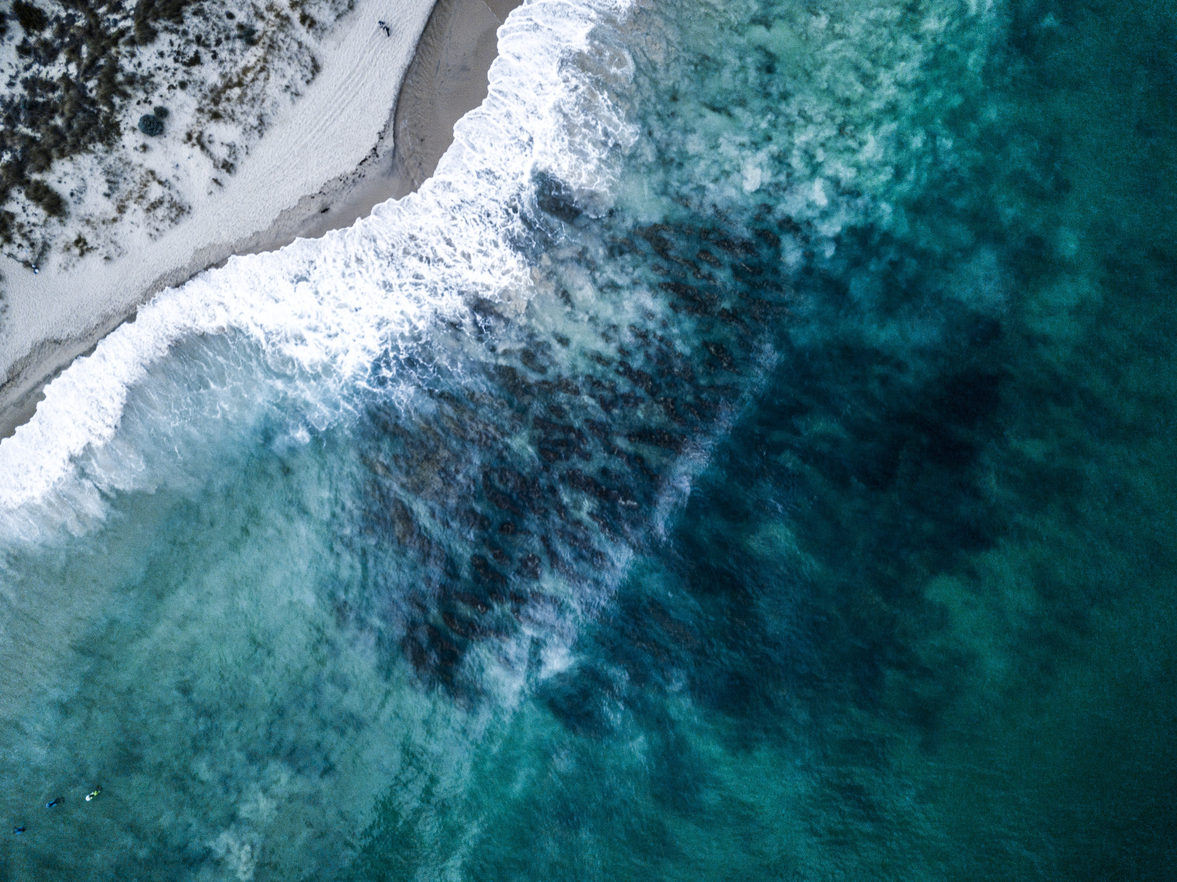 aerial view of sea cliff duting daytime
