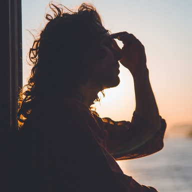 This Is Why You Need To Track Your Thoughts During Your Most Stressful Times
