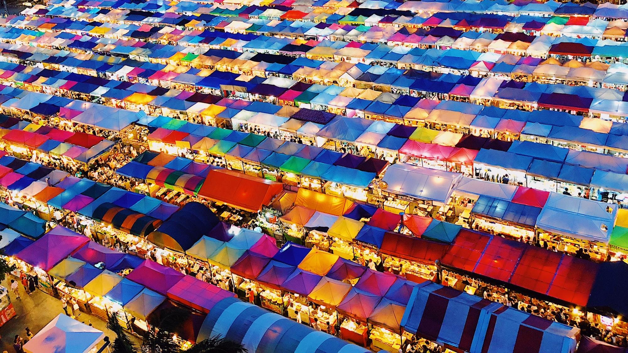 Trainhead night market