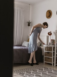 women's white and black sleeveless dress