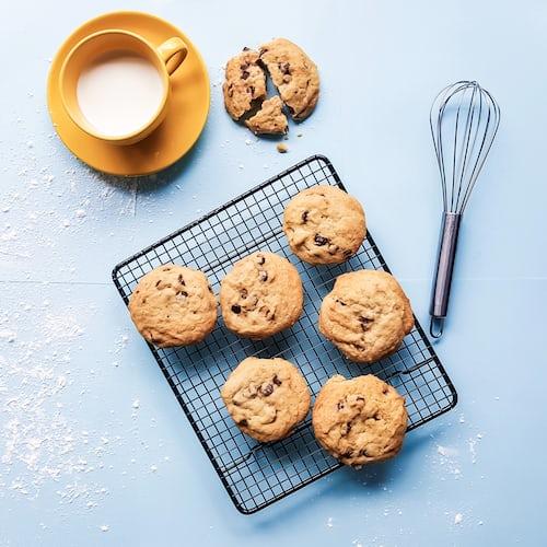 Prepare Choc Chip Cookies