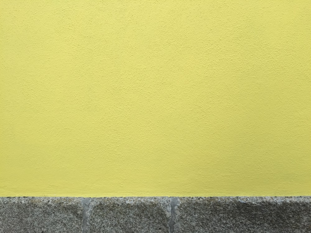 yellow and gray concrete wall