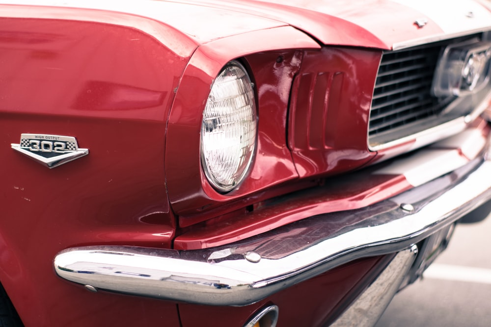 red Ford Mustang 302 coupe