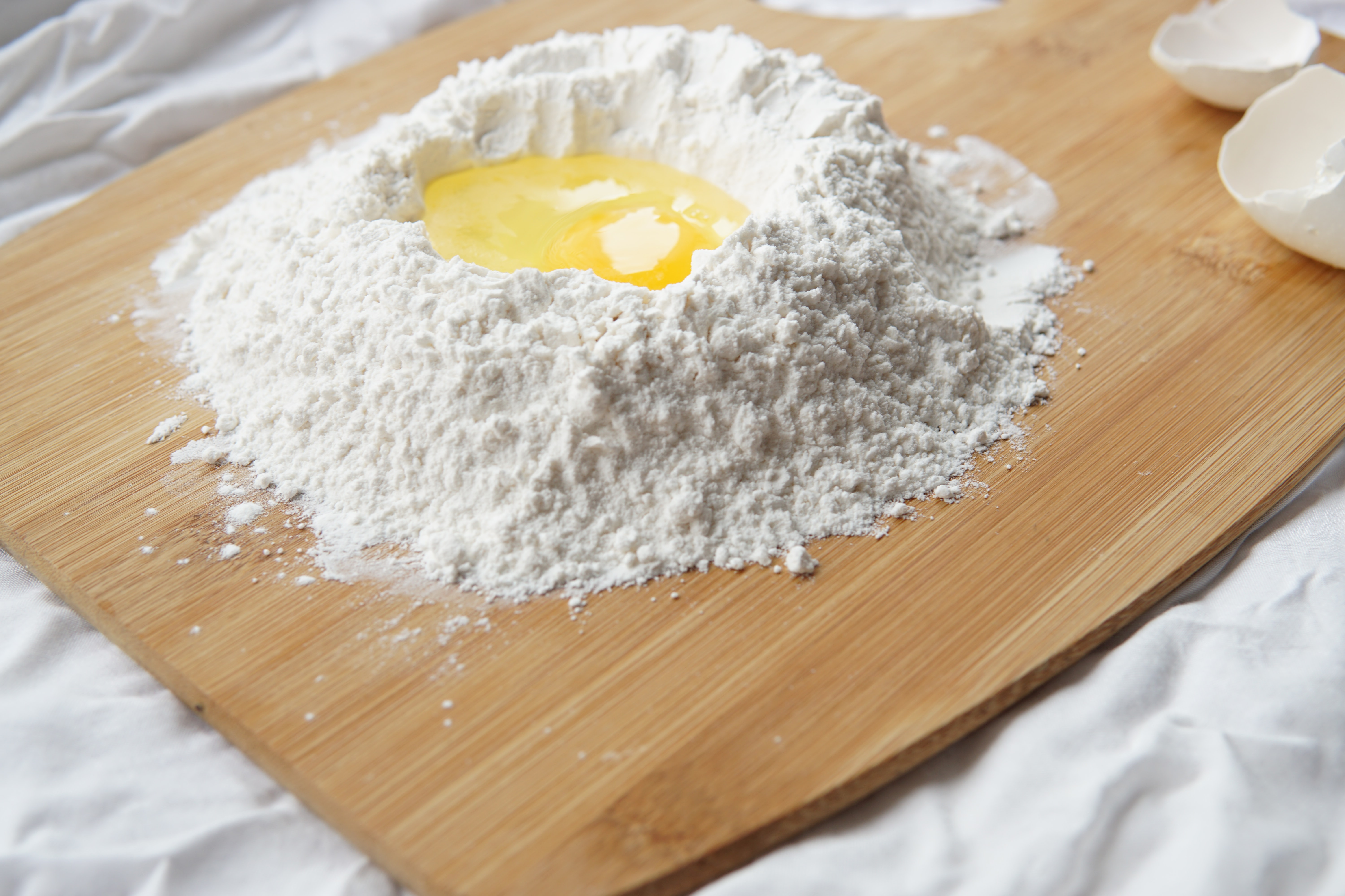 flour with egg