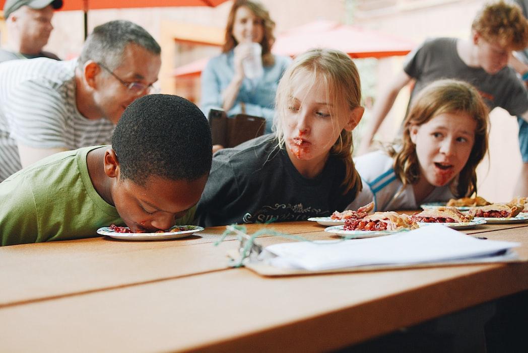 kids eating game