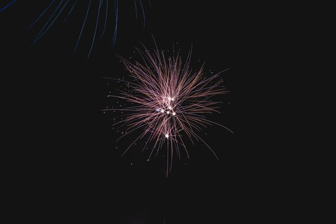 fireworks display ]