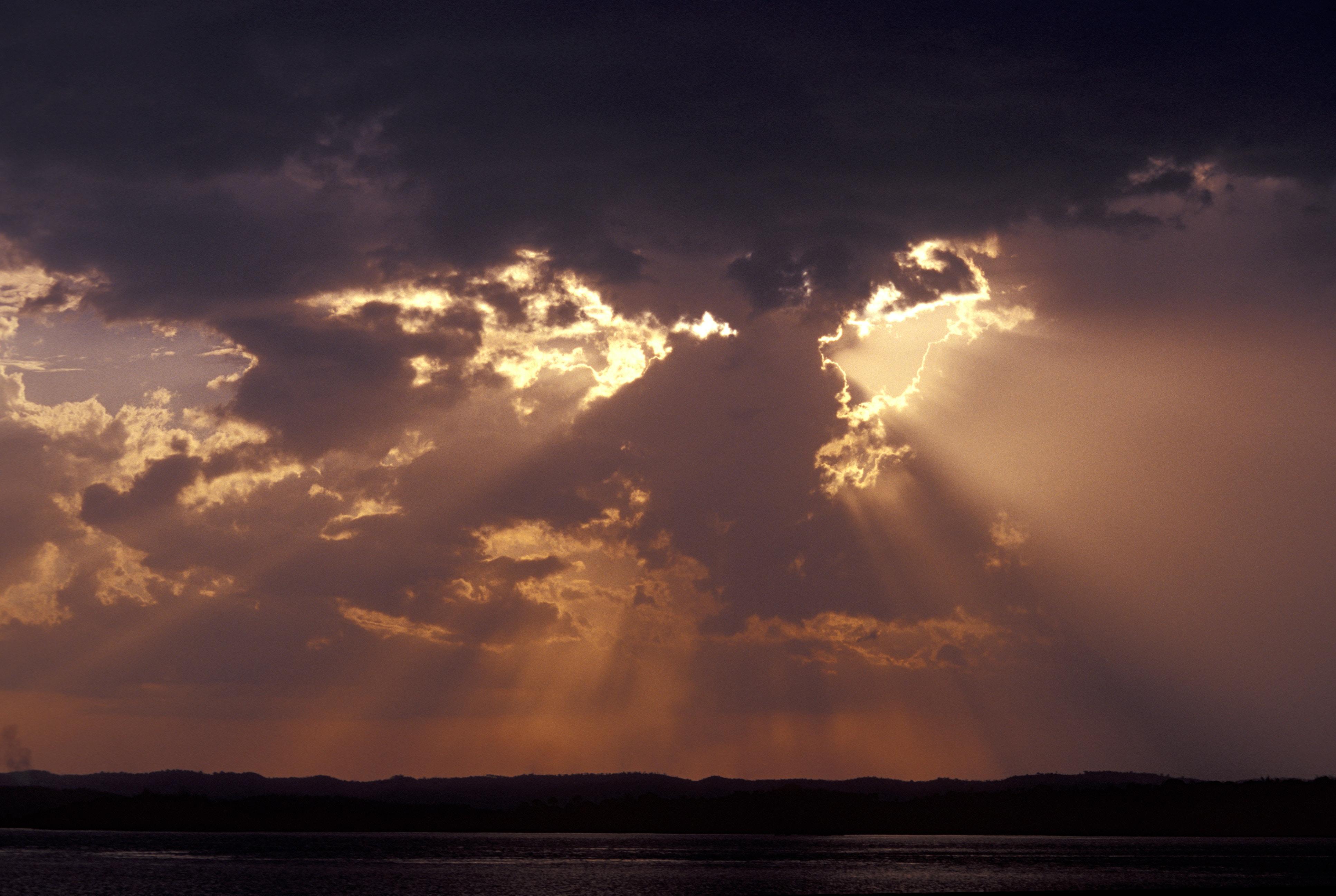 clouds during orange sunset