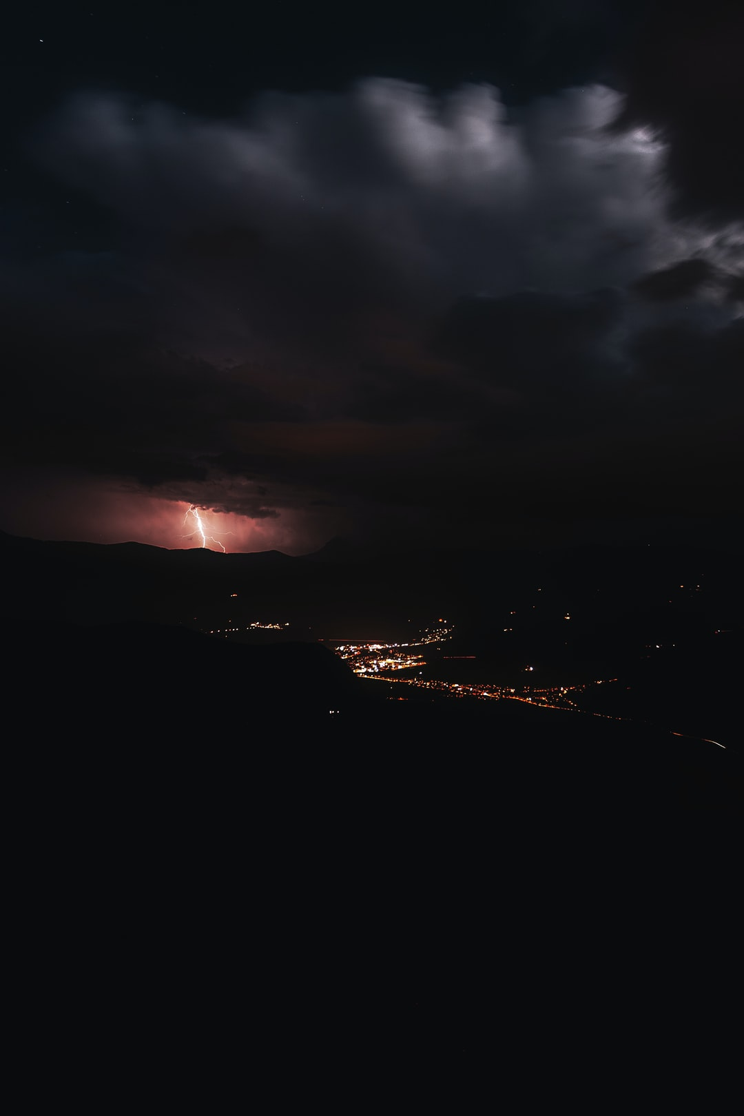 We were waiting for the lunar eclipse and the result is this picture! Unfortunately, we couldn't photograph the lunar eclipse, it was always cloudy and a little rainy. A thunderstorm raged in the distance!