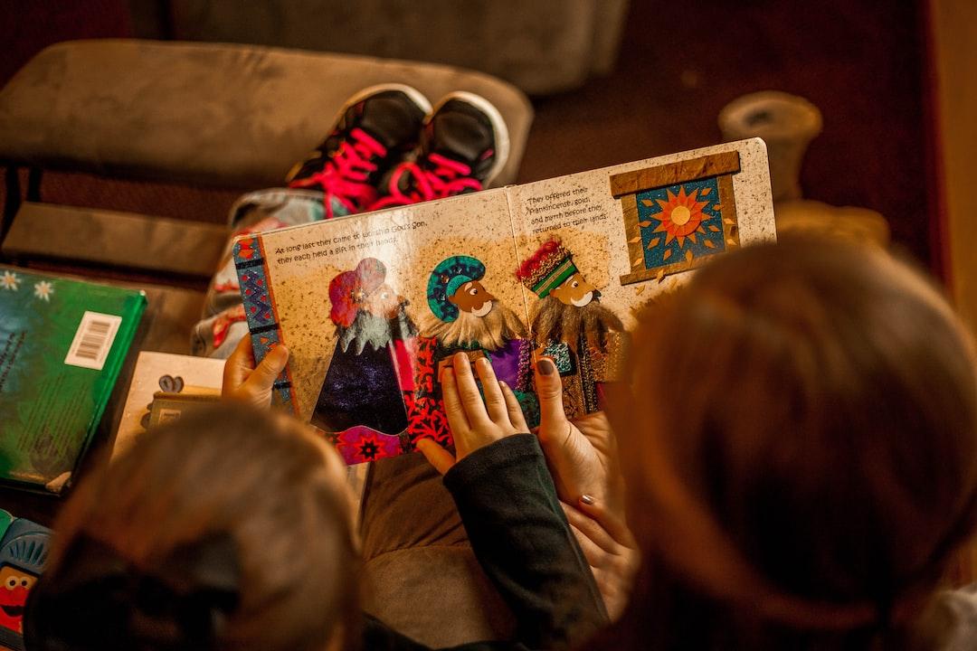 Manfaat Membacakan Buku Cerita untuk Perkembangan Anak