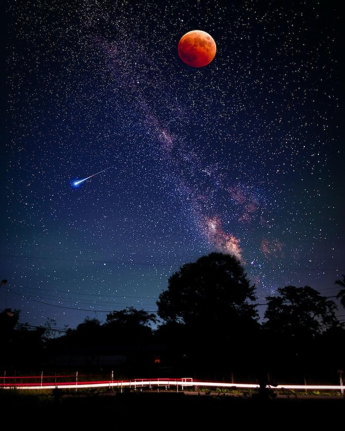 Звёздное небо и космос в картинках - Страница 3 Photo-1532798369041-b33eb576ef16?ixlib=rb-1.2