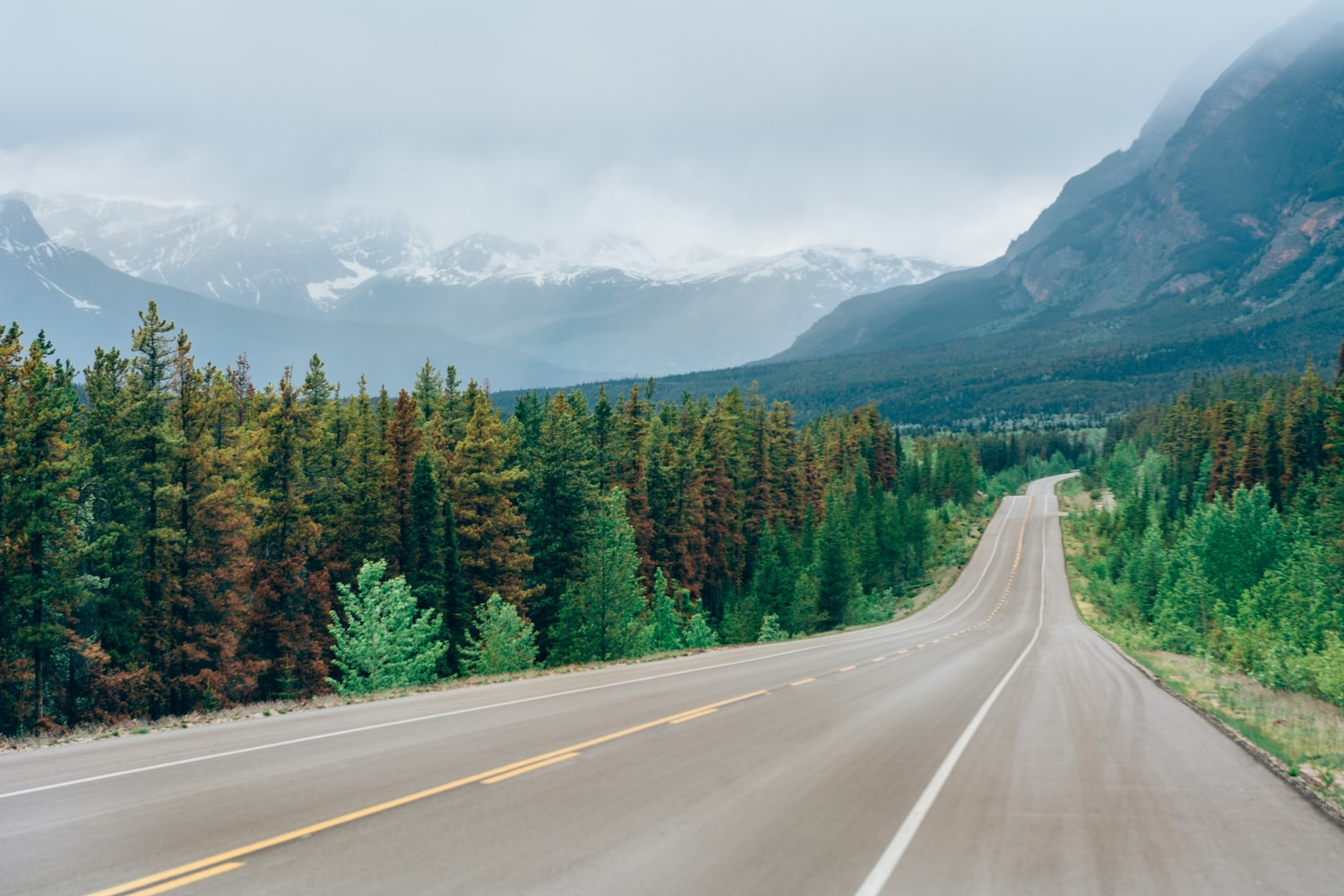 best time to visit banff Canada