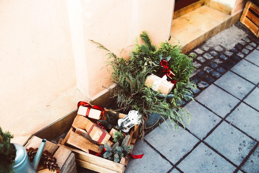 Christmas-themed decor lot