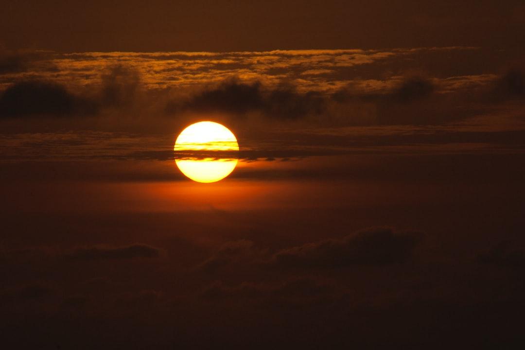 """O Sol """"o único verdadeiro deus""""  The Sun """"the only true god"""""""
